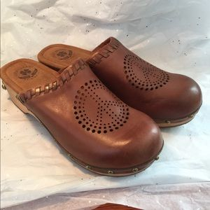 Lucky Brand Leather and Wood Clogs